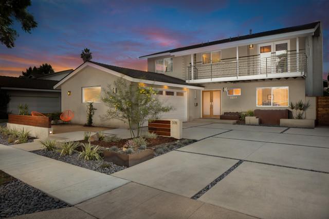 Modern Long Beach Drought Tolerant Design Modern