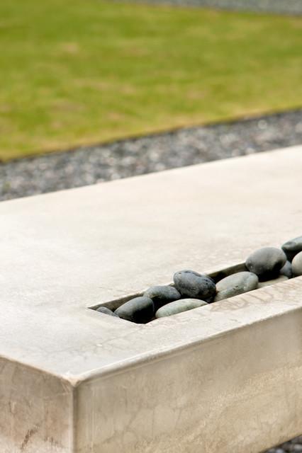 Modern Outdoor Bench & Water Feature modern-landscape