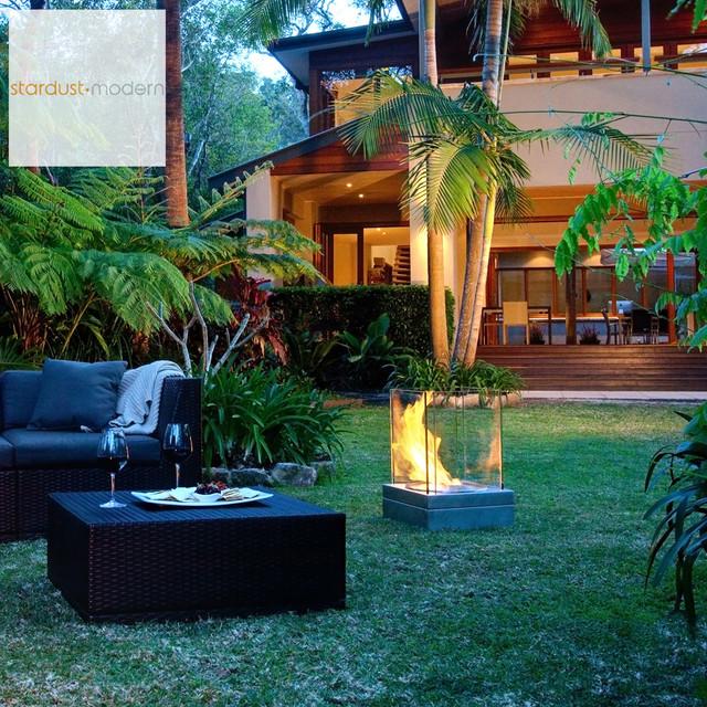 Modern Outdoor Landscape Patio Design With EcoSmart Mini