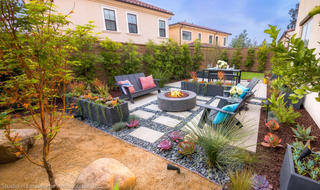 Modern Small E Garden Orange County By Studio H Landscape Architecture Architects Designers Artificial