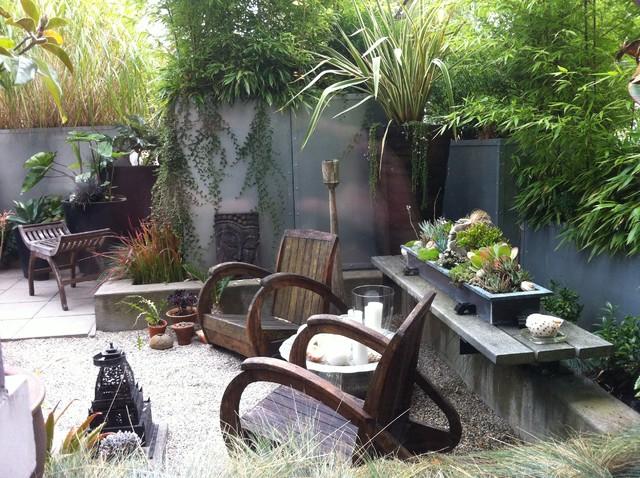 Modern Tropical Courtyard tropical landscape