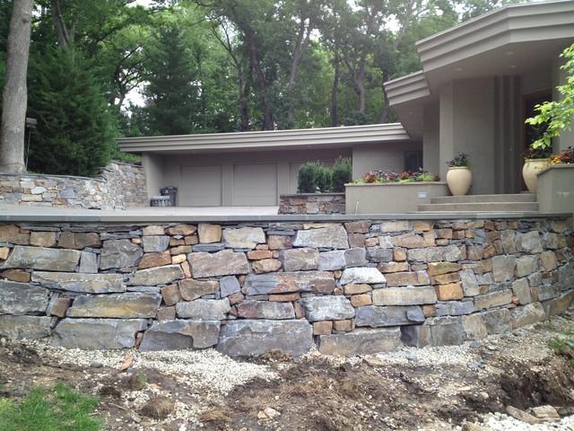 Montana Ledge Stone And Arkansas Field Stone Retaining Walls In Edina Tradi