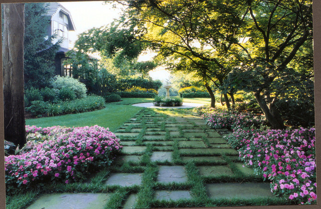Montclair Nj traditional landscape