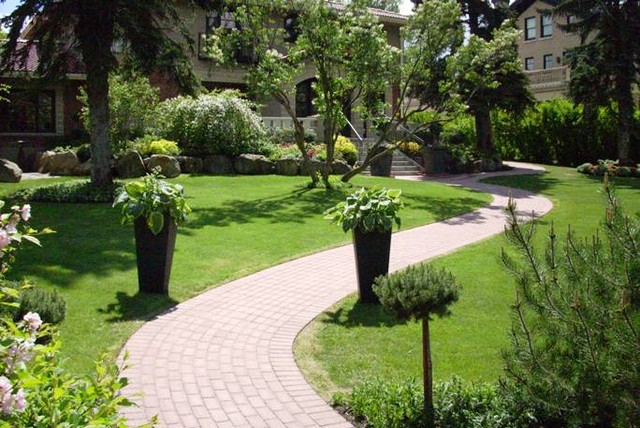 Mount royal calgary alberta estate home landscaping for Home landscape
