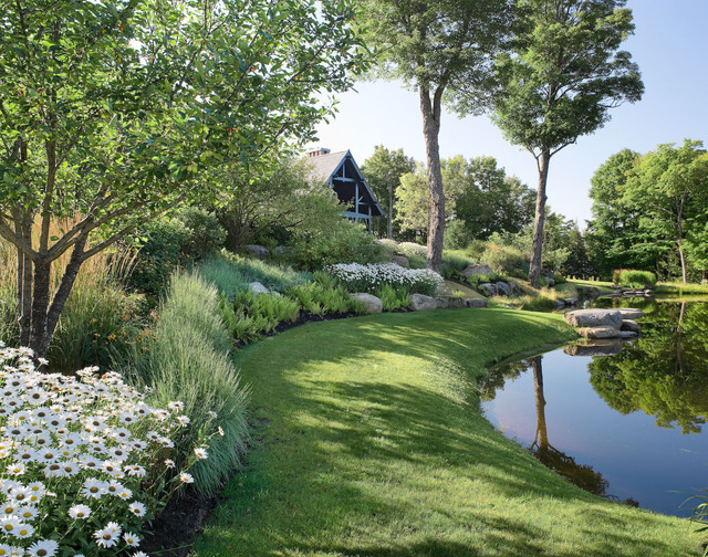 Mountain lodge traditional landscape for Houzz landscape architects