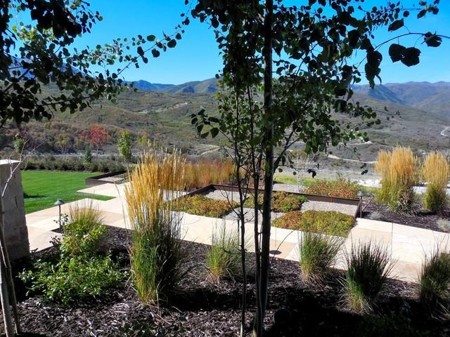 Mountain modern modern landscape for Mountain designs garden city