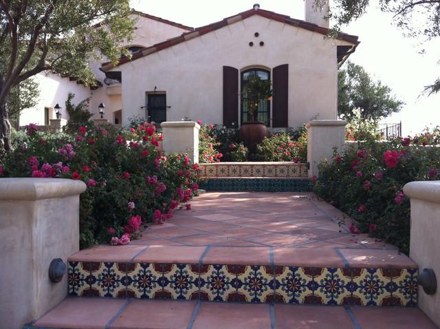 spanish patio spanish garden spanish courtyard sheltered