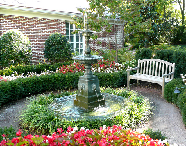 Native vs maintained traditional landscape kansas for Garden design vs landscape architecture