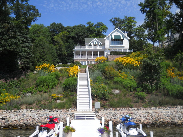 Natural landscaping for lakefront home lake geneva for Lakefront landscaping photos