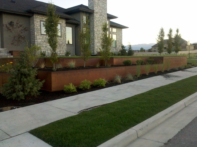 Natural Rust Finish Steel Planter And Retaining Modern