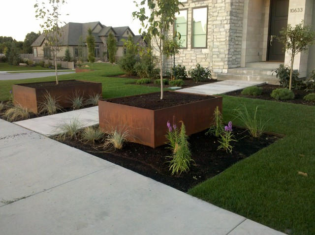 Natural Rust Finish Steel Planters