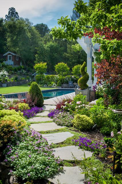 Vibrant outdoor entertaining traditional landscape for San francisco landscape architecture