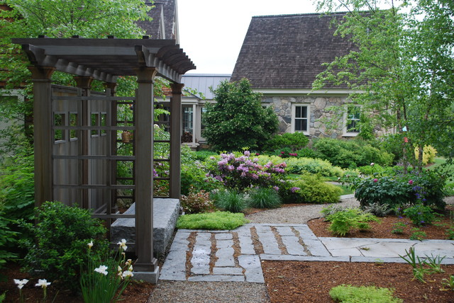New england residential project traditional landscape for Latest garden design ideas