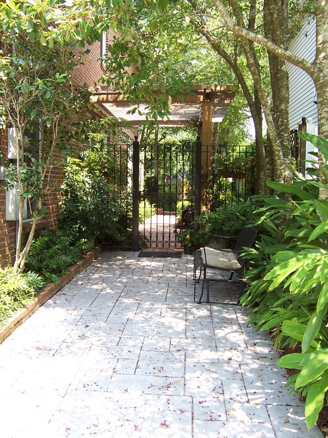 New orleans homes eclectic landscape new orleans for Home garden design houzz