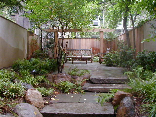 New york city townhouse garden traditional landscape for Landscape design new york