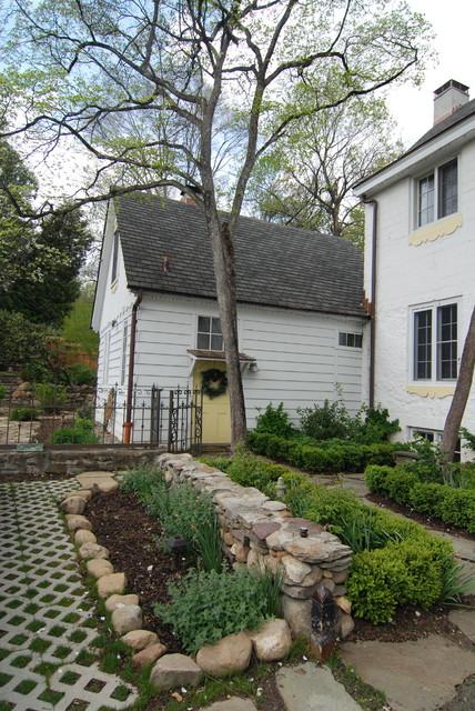 New york dutch colonial restoration farmhouse for Colonial landscape design