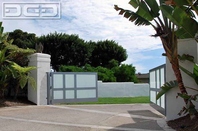 Newport Beach Contemporary or Modern Style Driveway Gate  : modern landscape from www.houzz.com size 640 x 422 jpeg 114kB