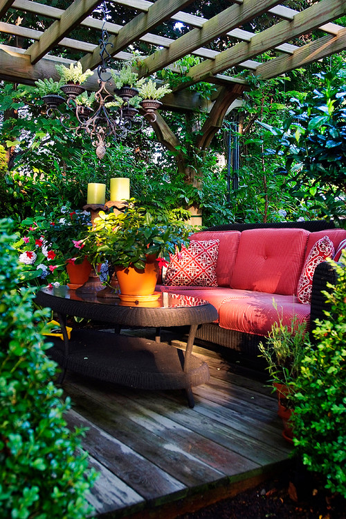 12 beautiful home gardens that totally outshine our window box planters photos huffpost - Enclosed balcony design ideas oases of serenity ...