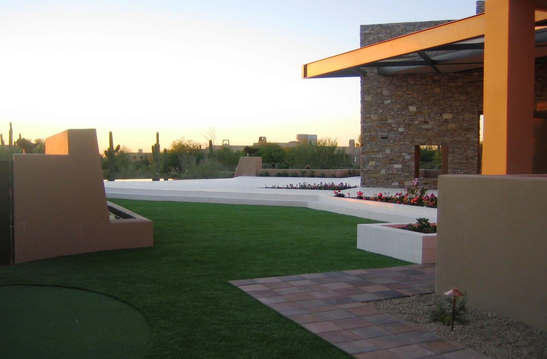 North Scottsdale--Lawn