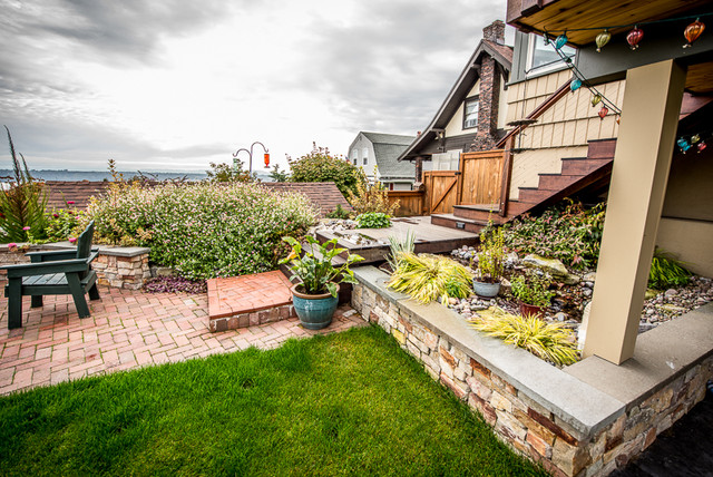 North tacoma craftsman landscape seattle by reikow for Landscaping rocks tacoma