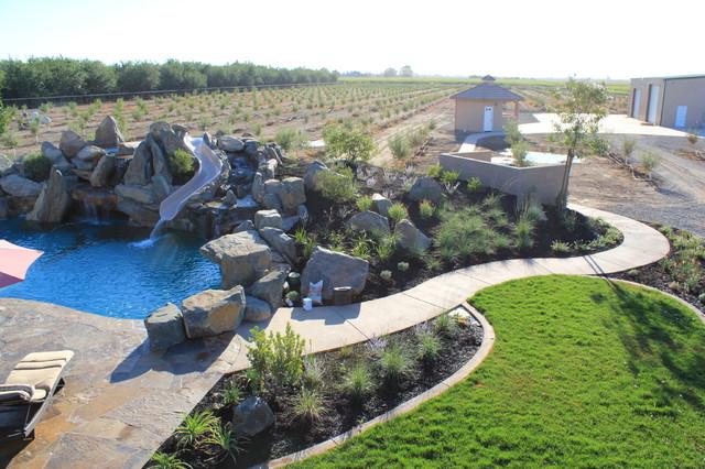 O'Sullivan Residence HGTV Cool Pools modern-landscape