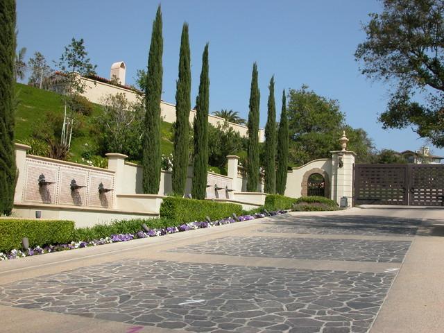 Oaks of calabasas mediterranean landscape los for Calabasas oaks homes for sale