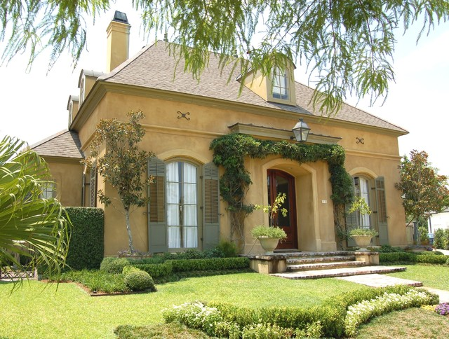 Old Metairie Country French traditional-landscape