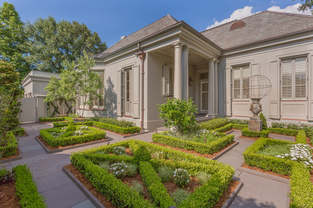 Old metairie residence traditional landscape new for Metairie architects
