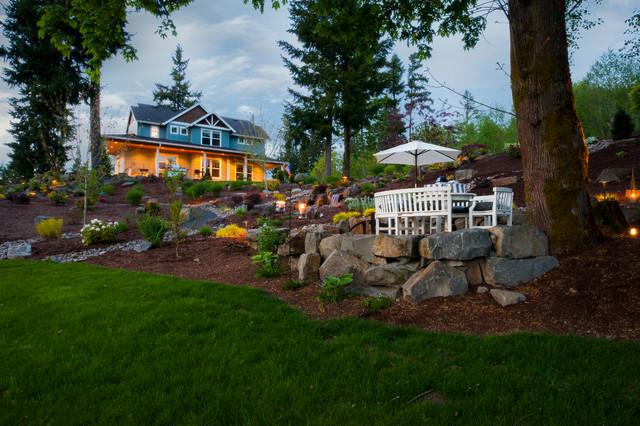 Olsen Property traditional-landscape