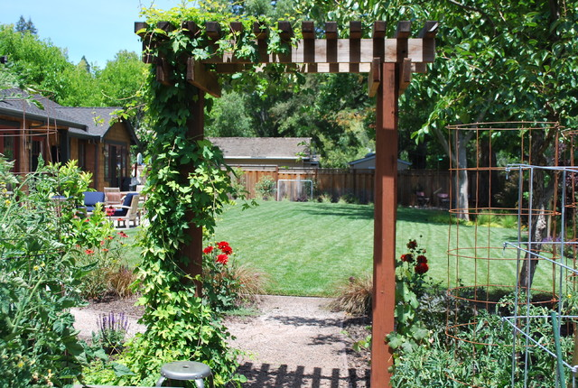 Orinda Craftsman Style Garden Traditional Landscape Other By Garden Lights Landscape And