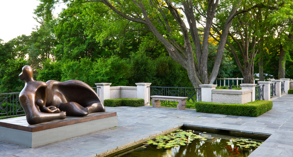 Design ideas for a traditional water fountain landscape in Minneapolis.