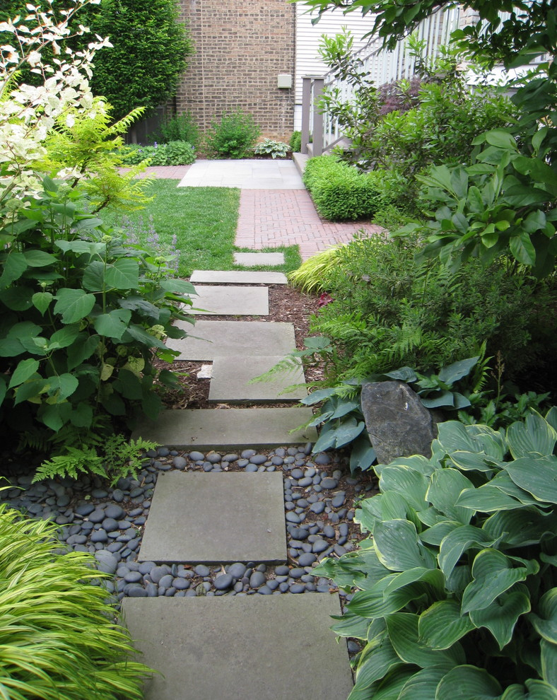 This is an example of a contemporary landscaping in Chicago.