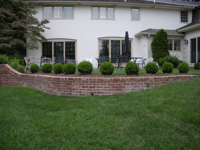 Designing Retaining Walls That Are Eye Catching and Interesting