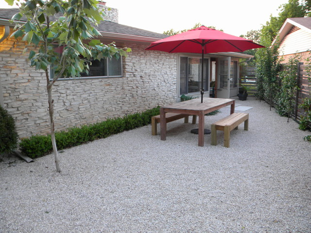 Outdoor dining contemporary-landscape