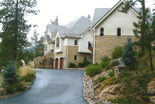 Outdoor Entrance traditional-landscape