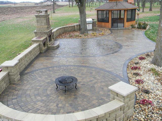 Outdoor Fireplaces traditional-landscape