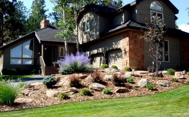 Outdoor Home Improvement traditional-landscape