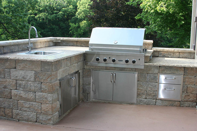 Outdoor Kitchens And Bbq Surrounds Traditional