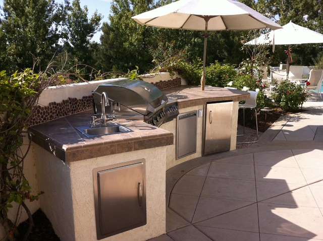 Outdoor kitchens bbq islands eclectic landscape san for Outdoor kitchen bbq designs