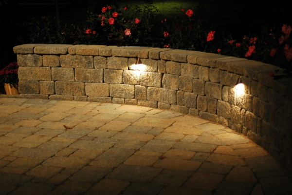 Outdoor Lighting traditional-landscape