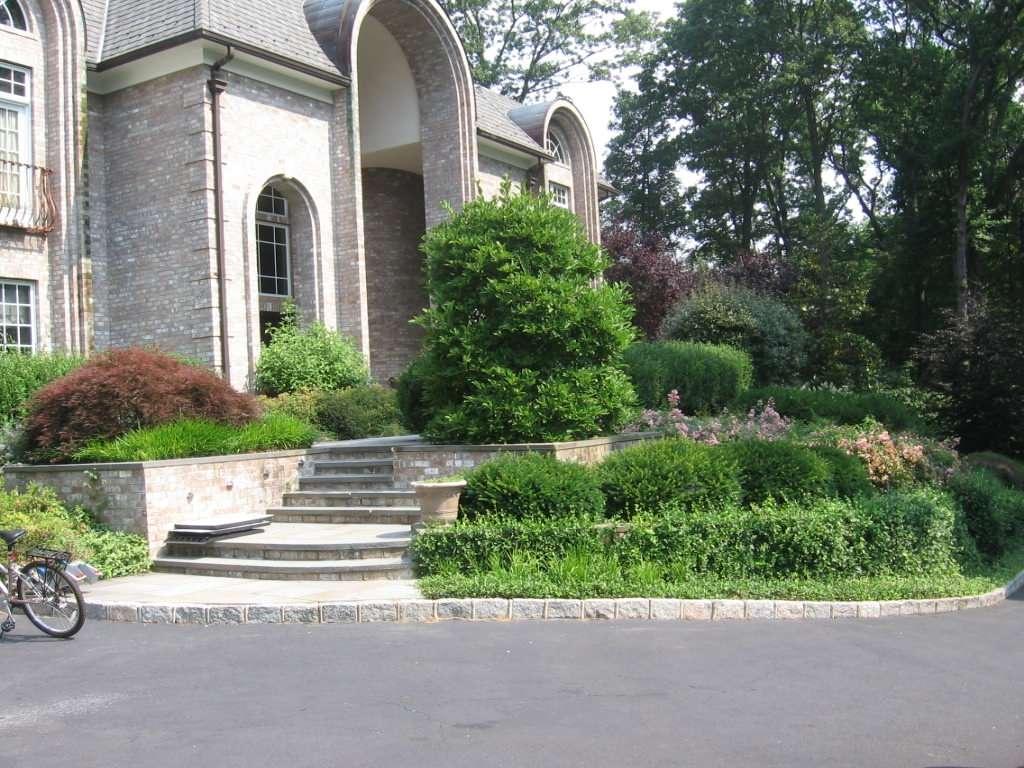 Outdoor Living Landscape Designer of Walkways, Pergolas, Perennial & Flowering G