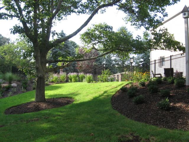 Outdoor Living Landscape Designer of Walkways, Pergolas, Perennial & Flowering G klassisk-traedgaard