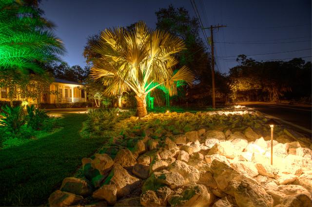 Outdoor Living tropical-landscape