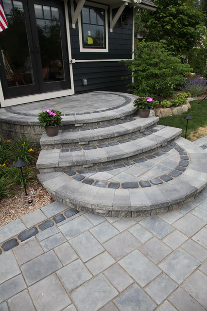 Outdoor Living/Patios, Paving, Flagstone & Stone traditional-landscape