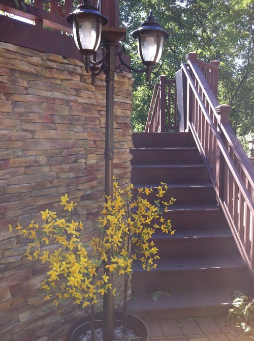 step by step guide in installing an outdoor post lamp