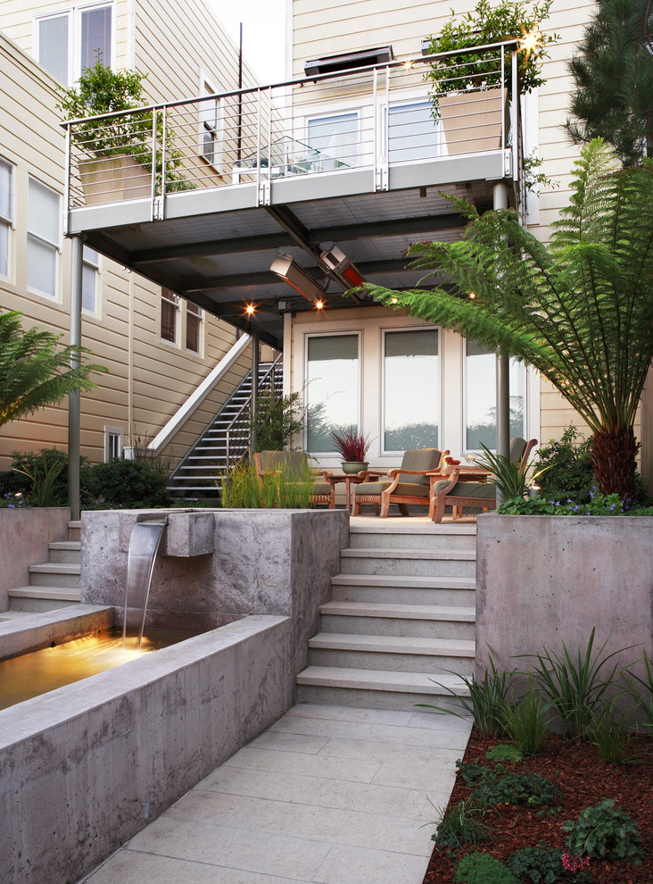 Inspiration for a contemporary water fountain landscape in San Francisco.