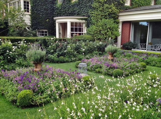 Parterre garden traditional landscape chicago by for Garden parterre designs