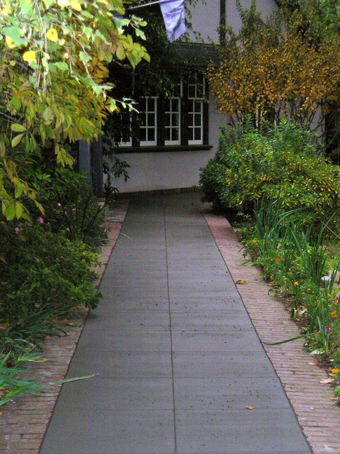 Pathways traditional-landscape