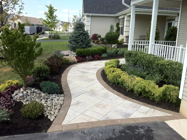 Paver walkway traditional landscape newark by brick by brick pavers and landscaping llc - Picturesque front garden pathway ideas ...
