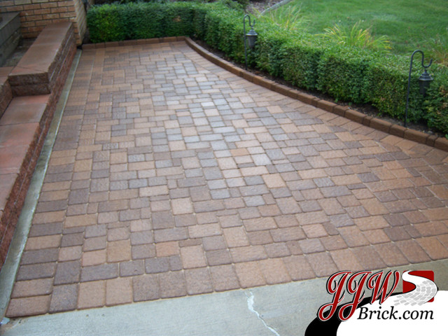 Paver Walkway Design Ideas - Traditional - Landscape - Detroit ...